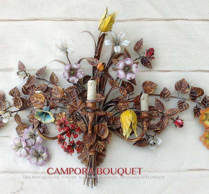 Campora Bouquet di GBS, Applique in ferro battuto, oro foglia, oro patinato e smalto invecchiato. Versione a tre luci.