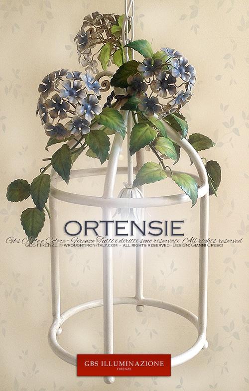 Collezione Ortensie. Lanterna in ferro battuto e decorato a mano.