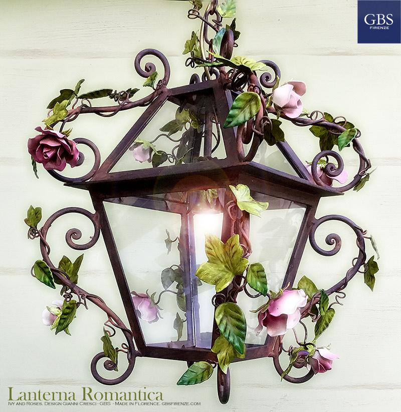 Lanterna Romantica. Edera e Rose. Ruggine. Ferro battuto e decorato a mano