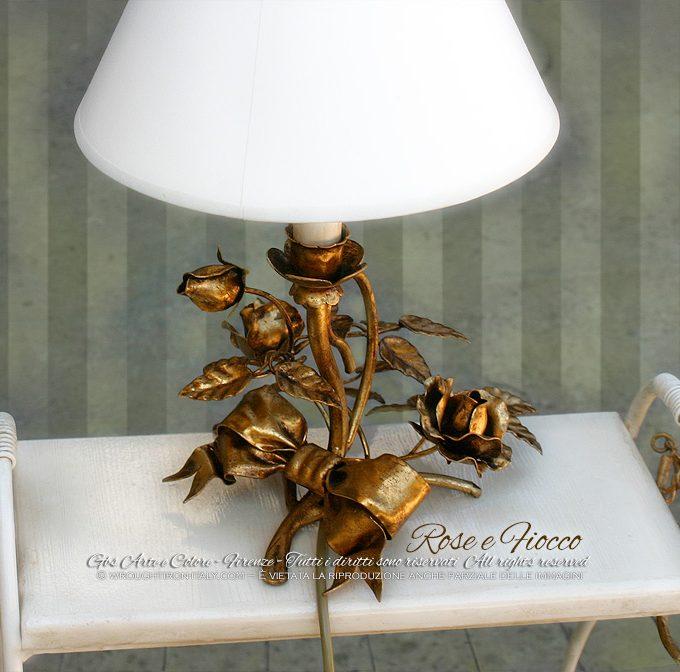 Lampada da tavolino Fiocco e Rose. Oro foglia