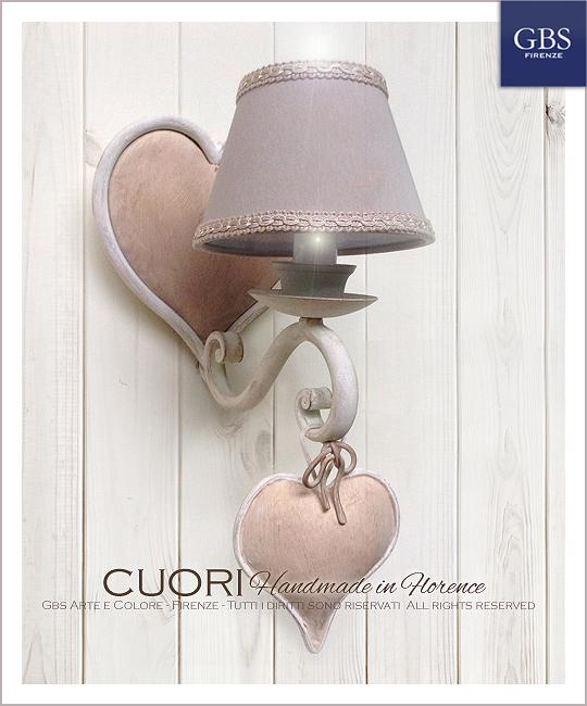 Applique Cuori a 1 luce. Ferro battuto e decorato a mano. Collezione Shabby. Design Renee Danzer. GBS