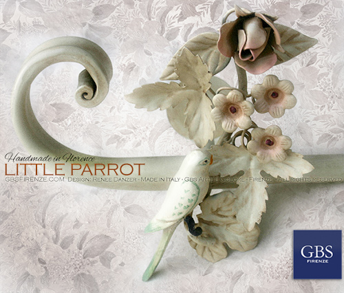 Rosa & Little Parrot. Asta da tenda