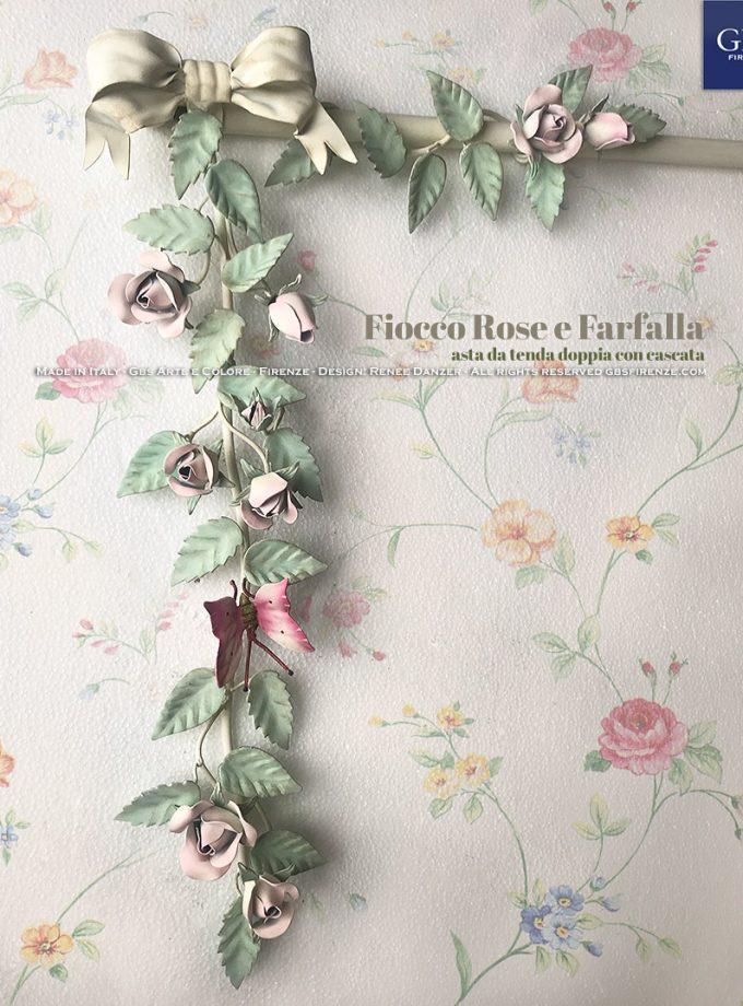 Fiocco Rose e Farfalla. Asta da tenda doppia con cascata. Versione in tempera. Colori pastello. Rosa colore lavanda rosata, foglie verde malva chiaro