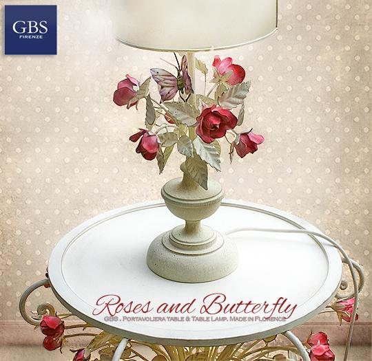 Lampada da comodino. Collezione Rose e farfalla.Lume per camera da letto romantica, con rose