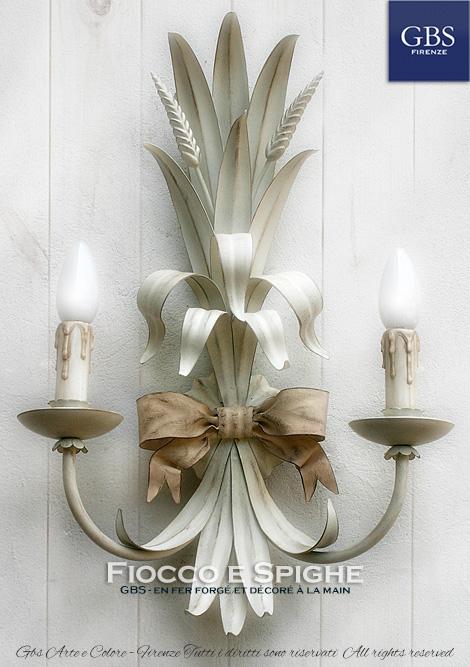 Fiocco e Spighe a 2 luci. Applique in ferro battuto e decorato a mano. CollezioneCountry Romantico.