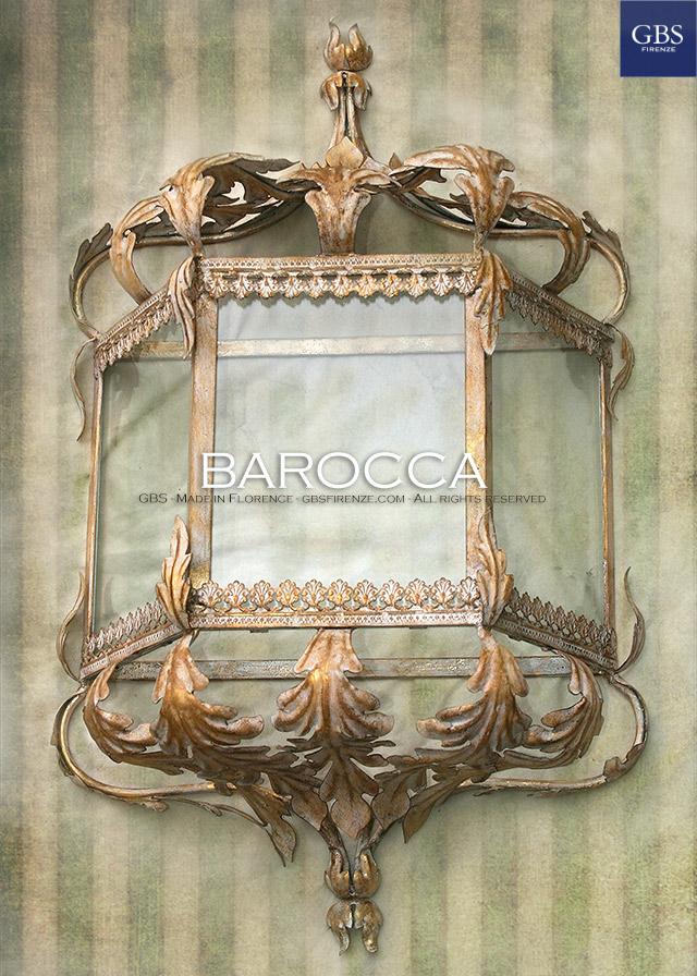 Lanterna Barocca, foglie d'acanto. Oro bianco. versione da muro. h. cm.65, ad 1 luce