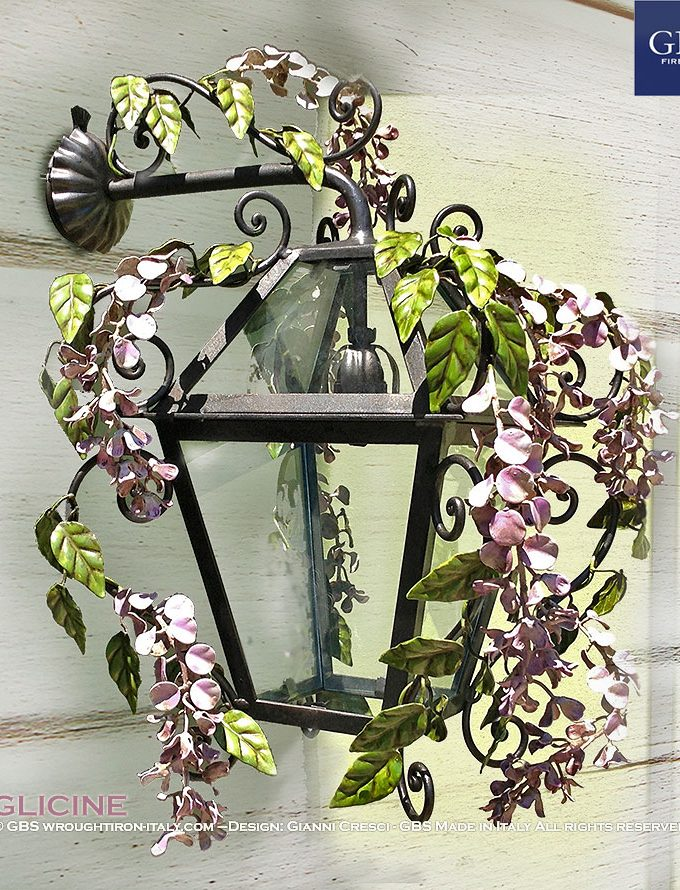 Lanterna Glicine. Ferro battuto. Versione da muro, Applique a una luca. Per interno ed esterno