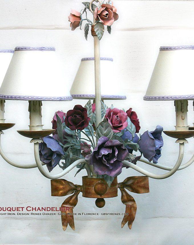 Lampadario Bouquet di Rose in tempera, 5 Luci, con Fiocco in Oro Foglia. Toni delrosa, viola e fucsia.