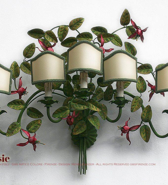 Grande Applique FUCSIE, 5 luci, cm.90 di larghezza, paralumi artigianali, tempera.