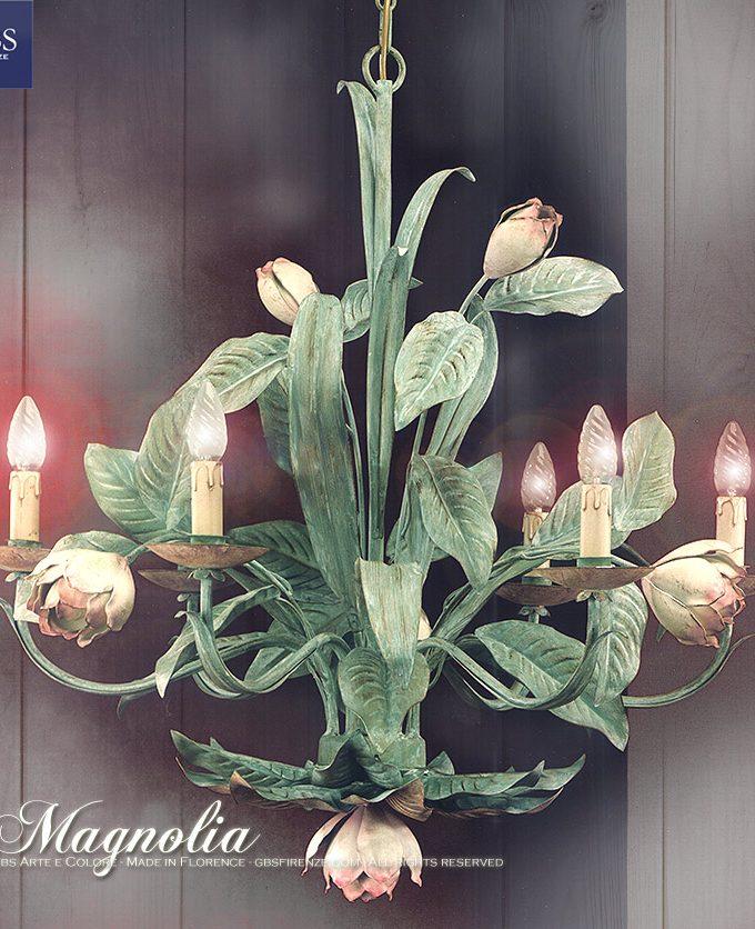 Magnolia. Lampadario a 6 Luci. Ferro battuto e decorato a mano. Tempera. Design: Renee Danzer. Made in Italy