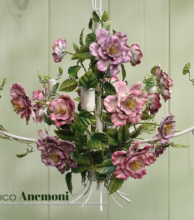 Romantico d'Anemoni. Lampadario a 5 Luci. Ferro battuto e decorato a mano. Design Renee Danzer